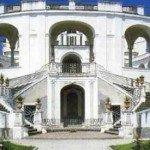"""""""Tramonti in villa"""": visita guidata e concerto alla Villa Campolieto"""