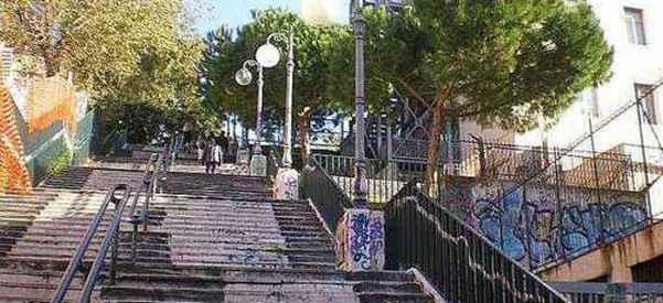 Villa Comunale, messa in sicurezza dei corrimano delle scale
